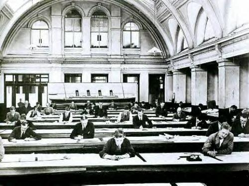 Harland-Wolf-Shipyards-Main-Drawing-Room-in-early-1911