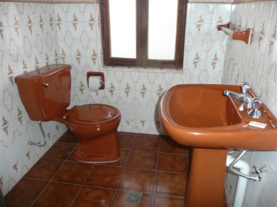 Brown Bathroom Suite